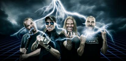 RooBand: Roo Chapus – Lead & Rhythm Guitars, Jakko Nikko – Bass, Juke Eräkangas- Drums, Timo Aula – Rhythm Guitars